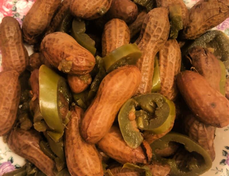 Boiled peanuts at home